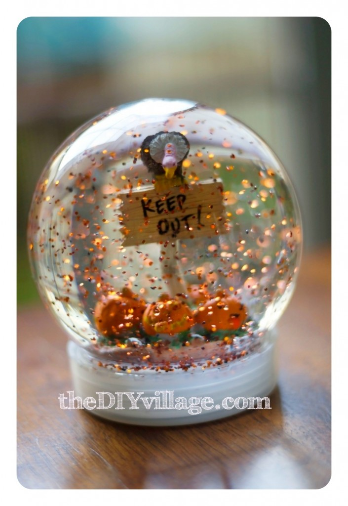 Halloween Decor by theDIYvillage.com