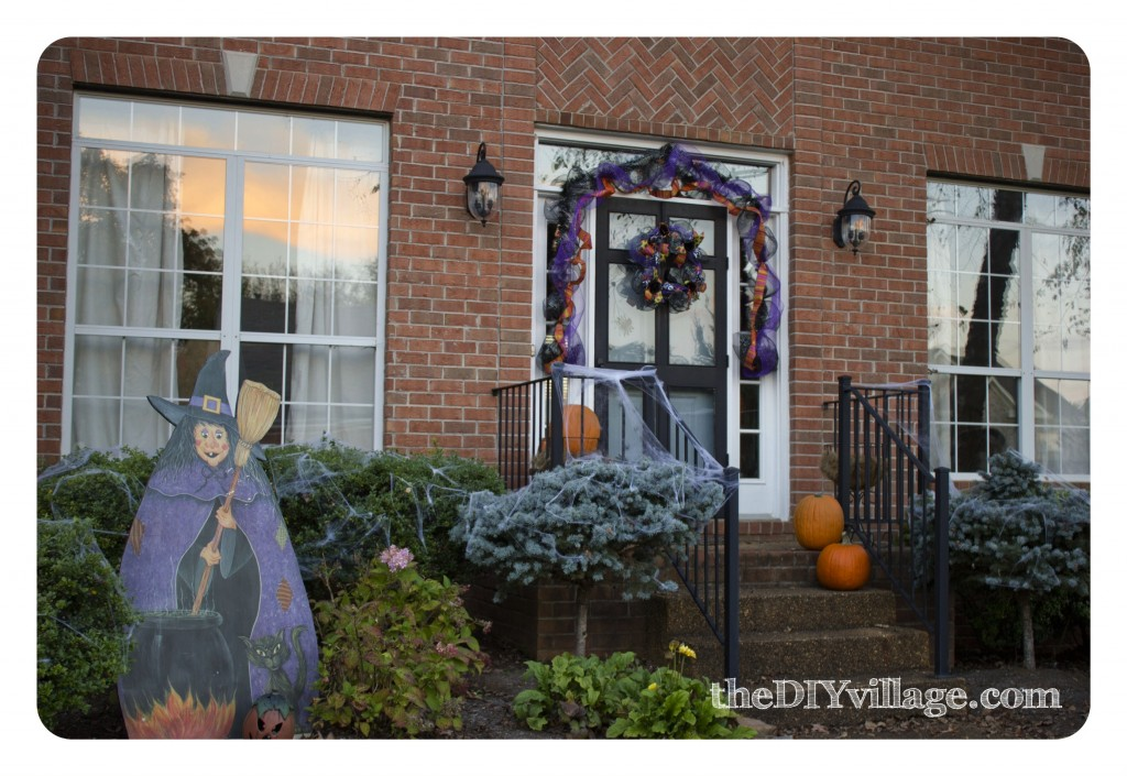 Halloween Decor by: theDIYvillage.com