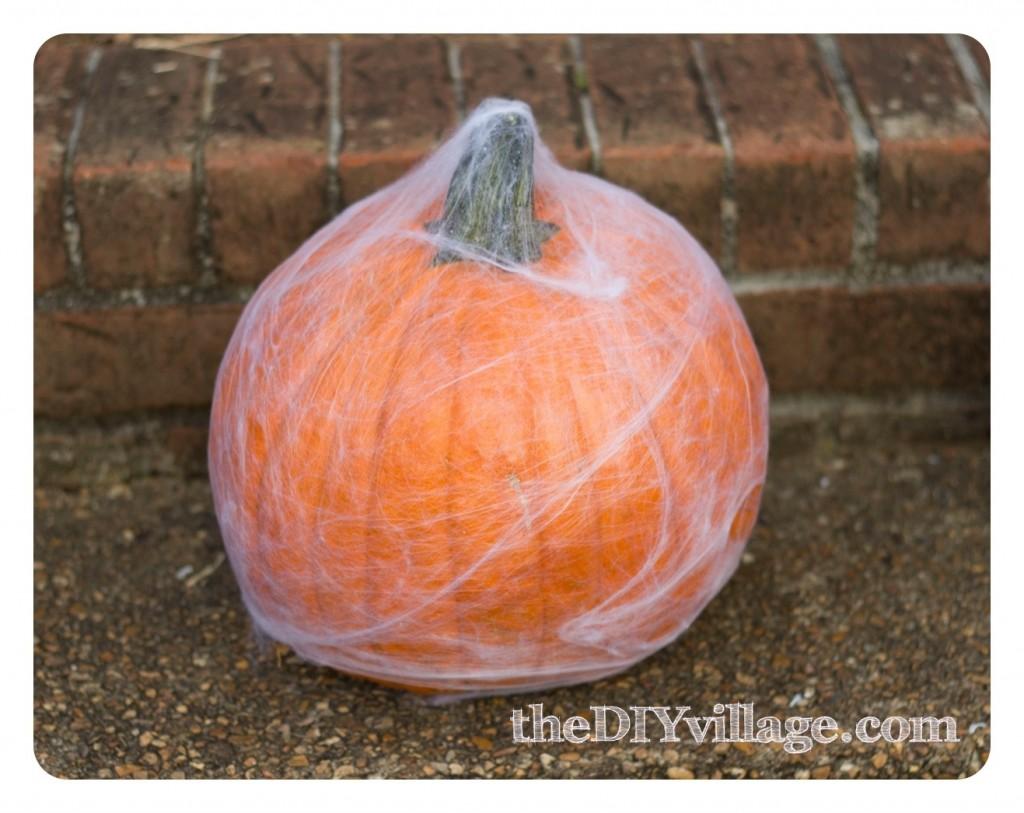 Halloween Decor by theDIYvillage.com