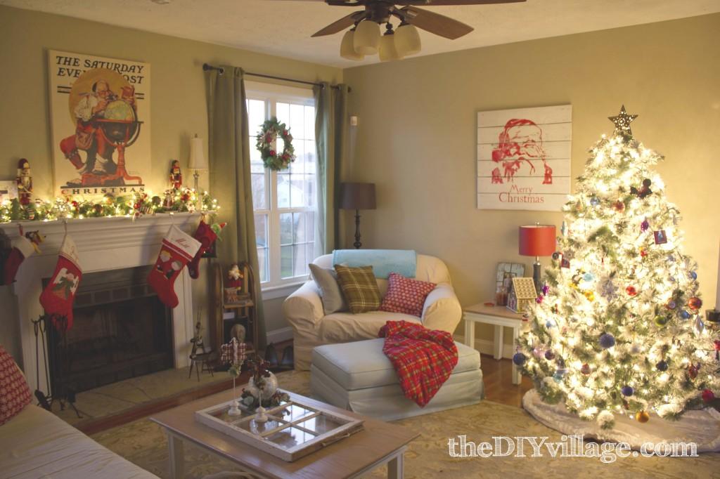 Family Room Christmas3a