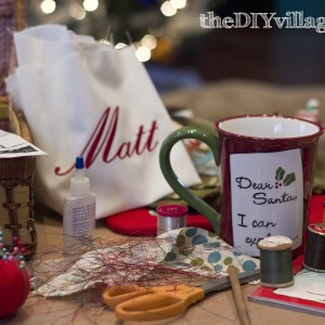 Christmas Crafts by: theDIYvillage.com