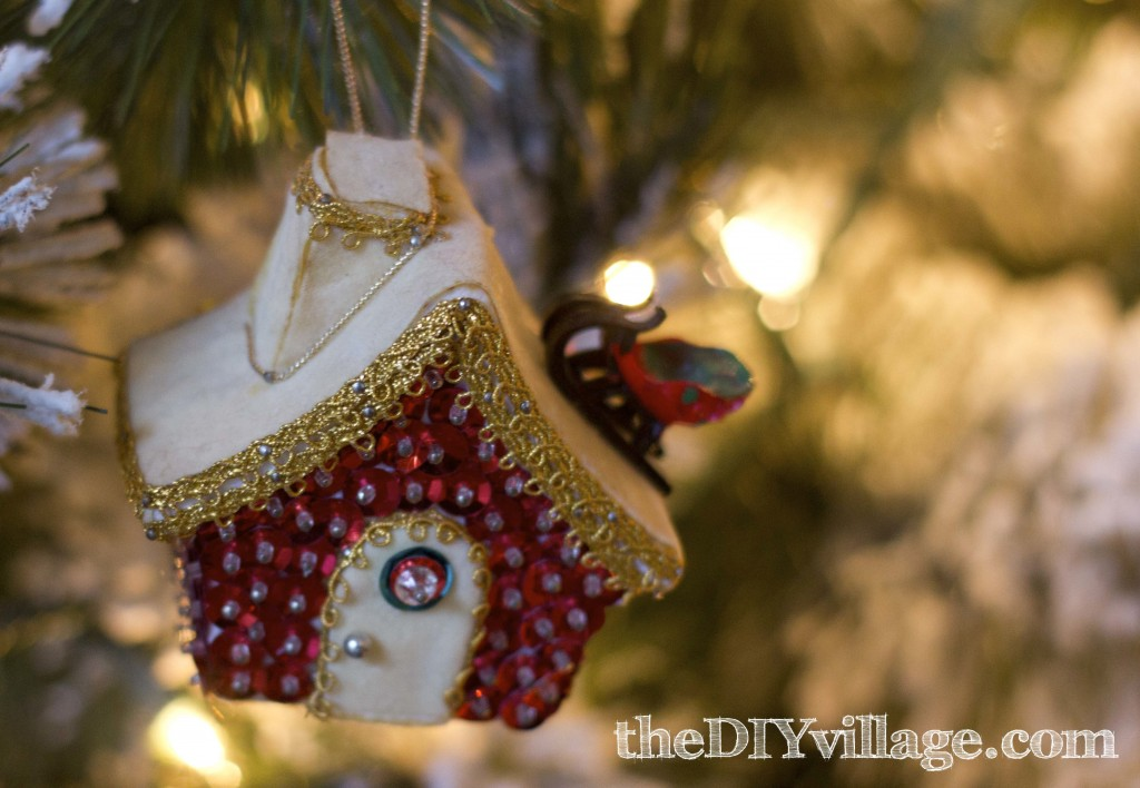 Christmas Decor by: theDIYvillage