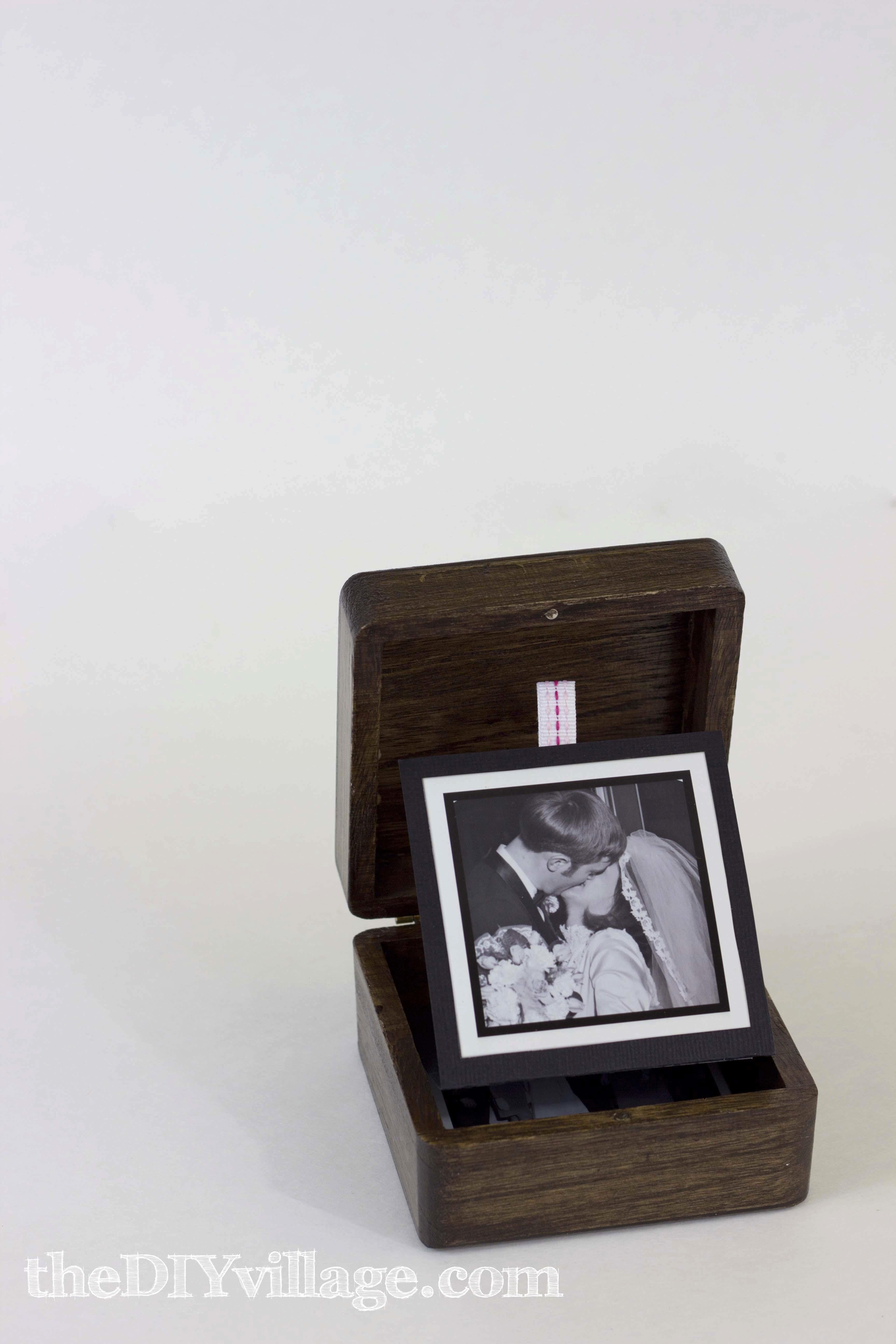 Pop Up Photo Box Gift Idea