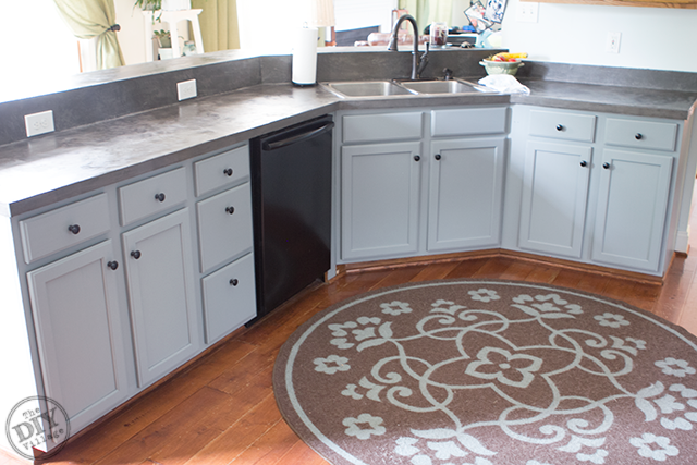 Exceptionnel Budget Friendly Cabinet Makeover
