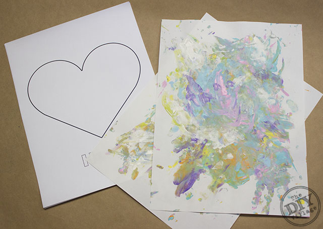 Easy custom heart collage artwork, a perfect way to get the kiddos involved in creating art for the home.