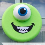 Monsters, Inc. Inspired Mike Wazowski Halloween Wreath! This is so perfect for a themed birthday party!