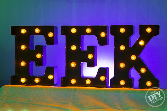 eek-halloween-decor-lighting
