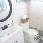 12 Bathroom Inspirations and DIY's