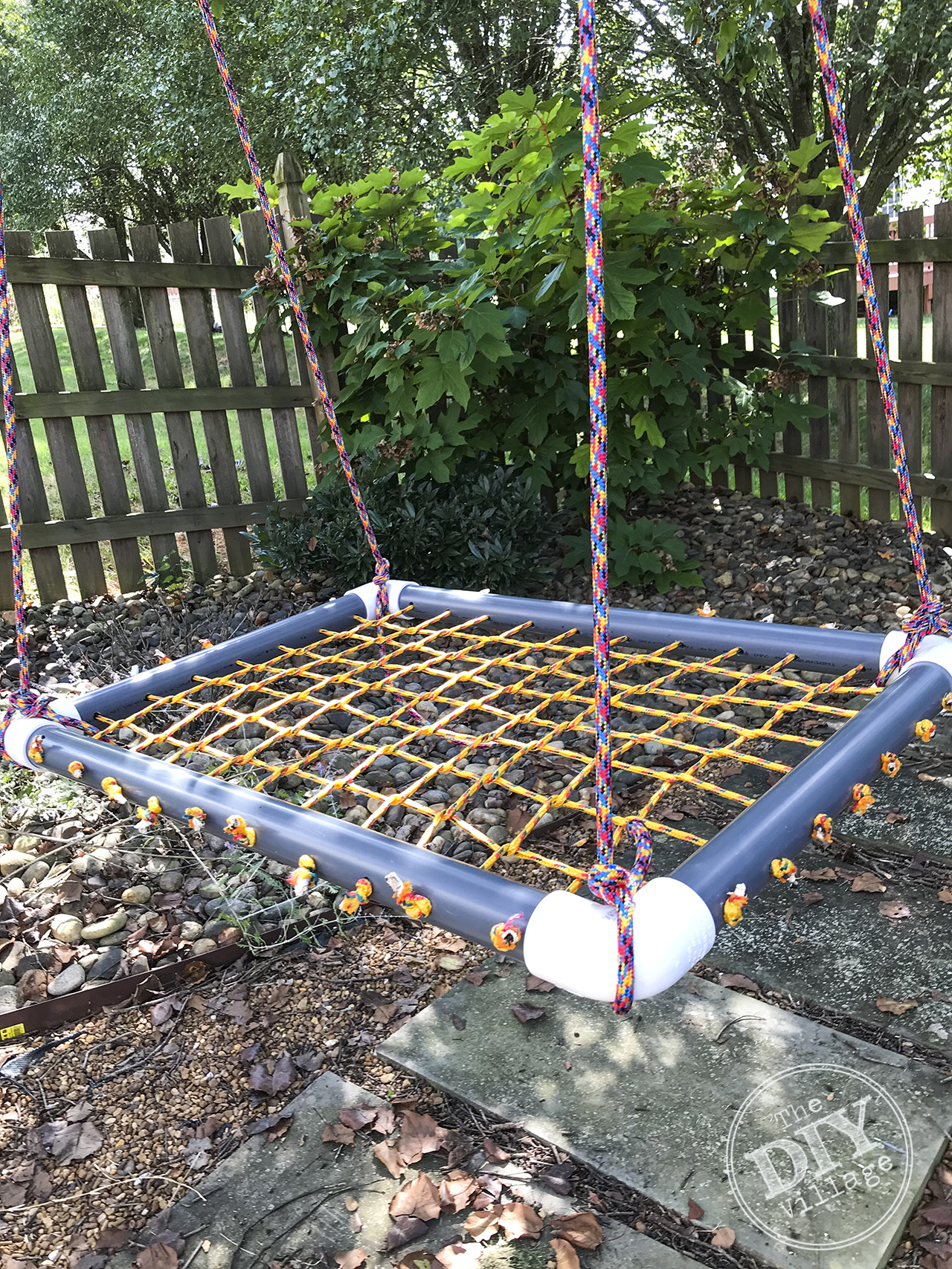Perfect for kids - DIY platform swing tutorial. #diyswing #platformswing #sensoryswing #outdoor #ropeswing #tutorial #diy