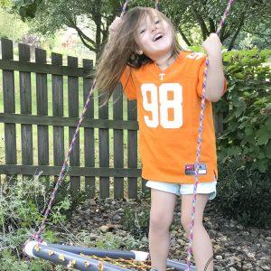Perfect for kids - DIY platform swing tutorial. #diyswing #platformswing #sensoryswing #outdoor #ropeswing #tutorial #diy #powertoolchallenge
