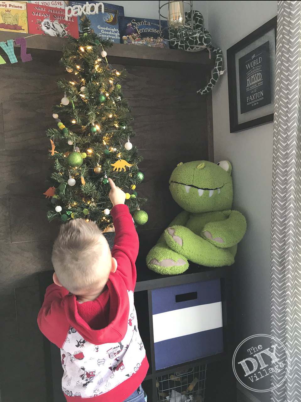Adorable kids dinosaur Christmas tree. So cute for a little ones room!