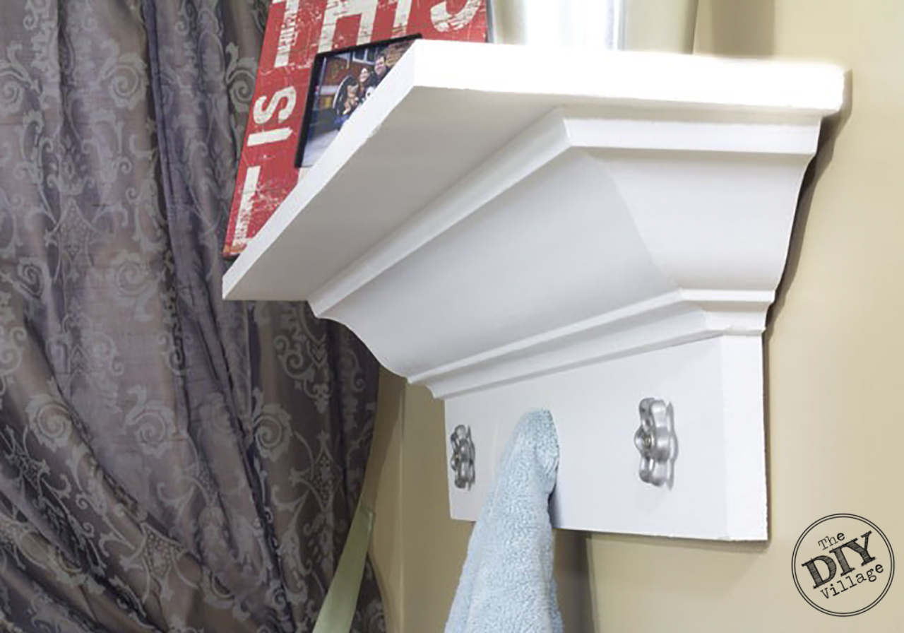 DIY Decorative Crown Molding shelf tutorial Decorative-Crown-Molding-Up-Close #diy #homedecor #homeimprovement